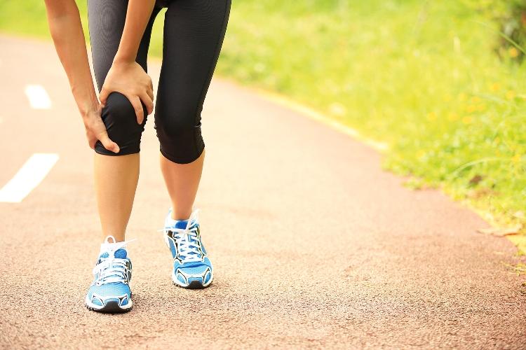 В каких случаях необходимо носить наколенник Aurafix во время бега?