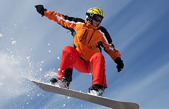 Зимние виды спорта и здоровье ваших суставов: как защитить суставы на лыжах и сноуборде?